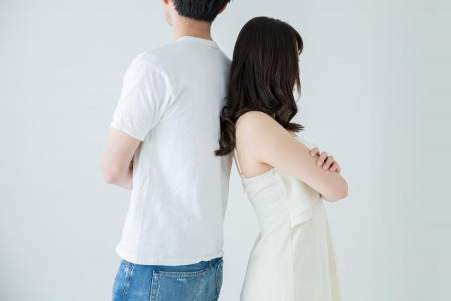 喧嘩する夫婦